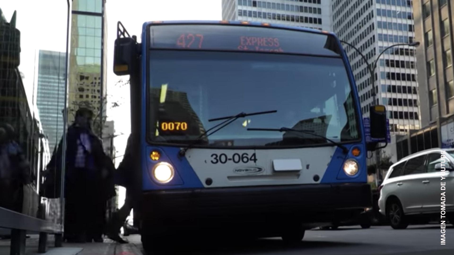 Usuarios de autobuses de Montreal abordarán de nuevo por puerta delantera