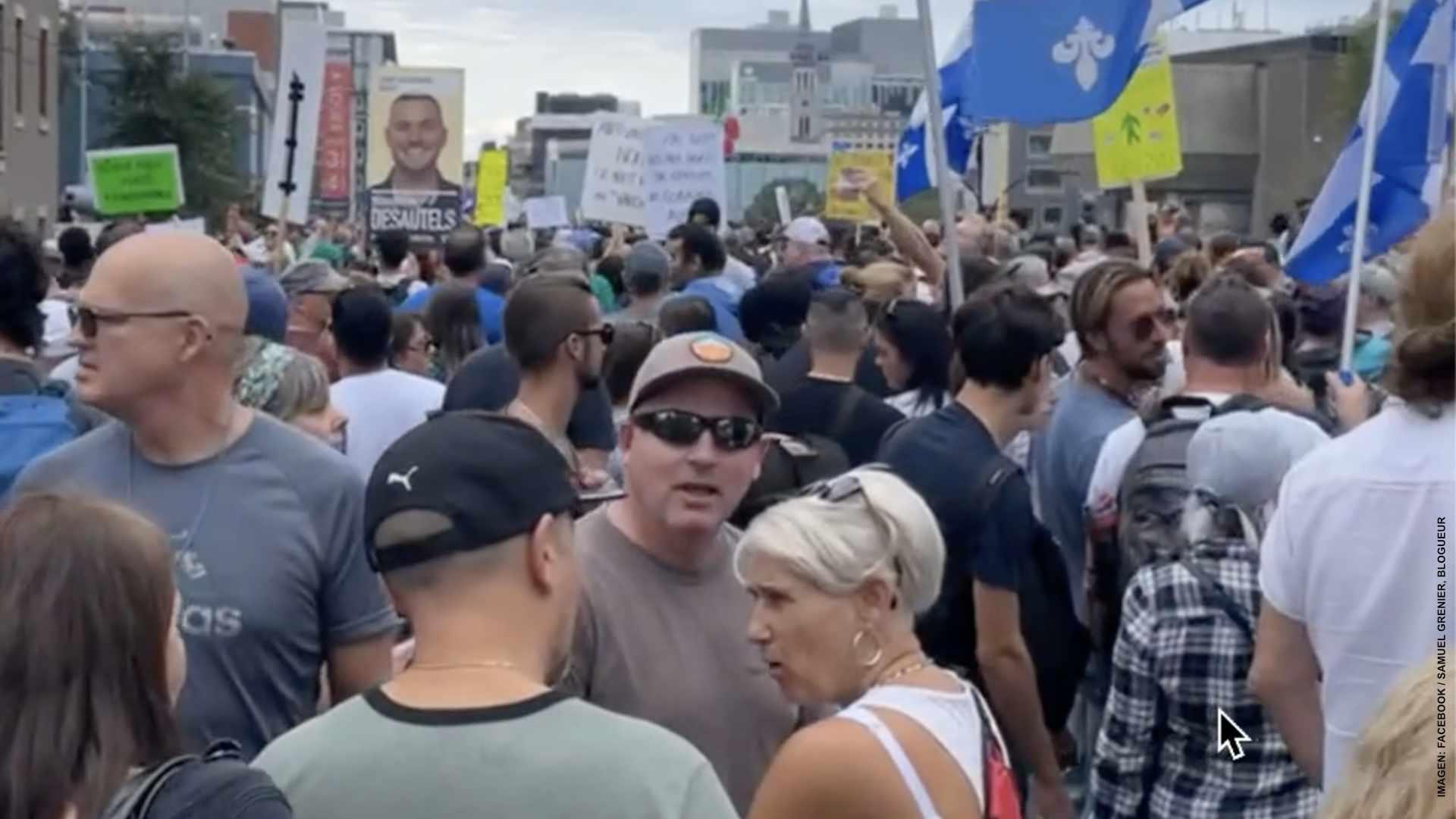 Miles asisten a la marcha de resistencia pacífica